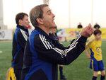 Тренеры А.Б. Абаев и С.Л. Чумаченко (на заднем плане). Команда 1999 г.р.