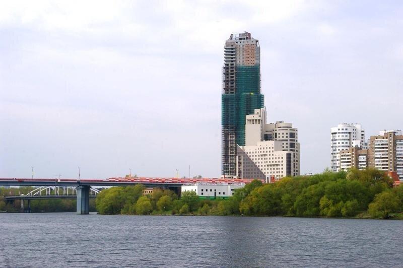 Башня континенталь и живописный