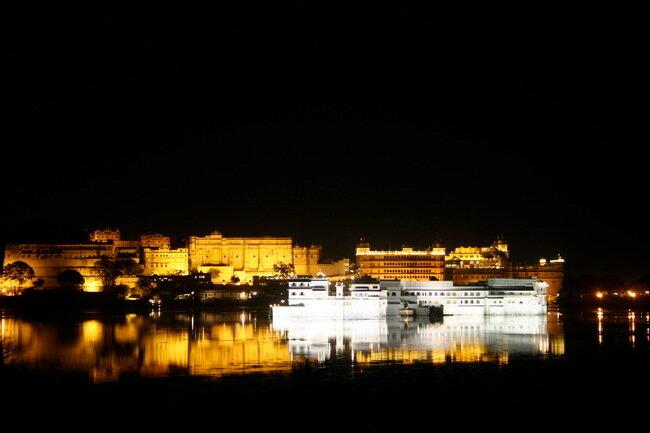 Удайпур. Озеро Пичола