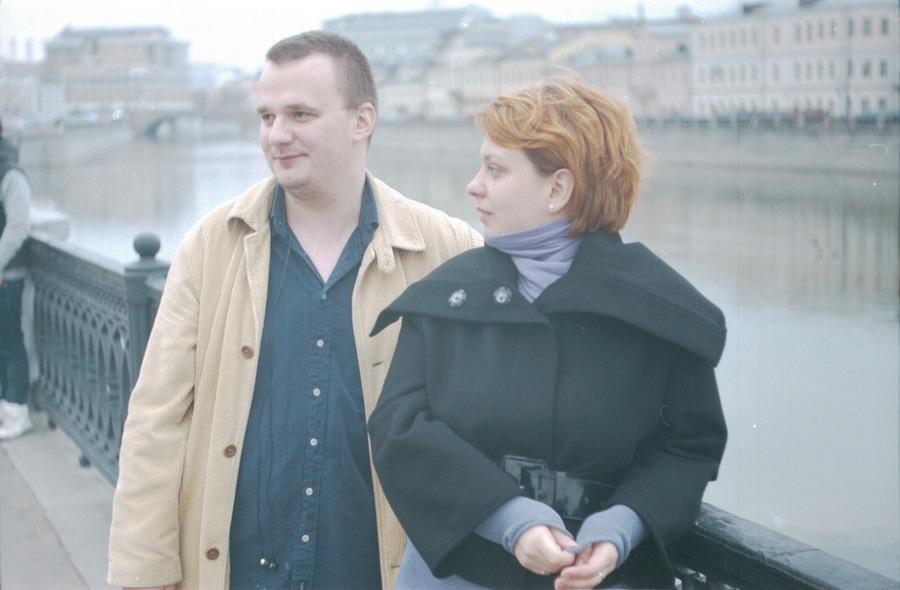 2010, город, девушка, женщина, люди, молодая, москва, мужчина, пленка, плёнка, радость, россия