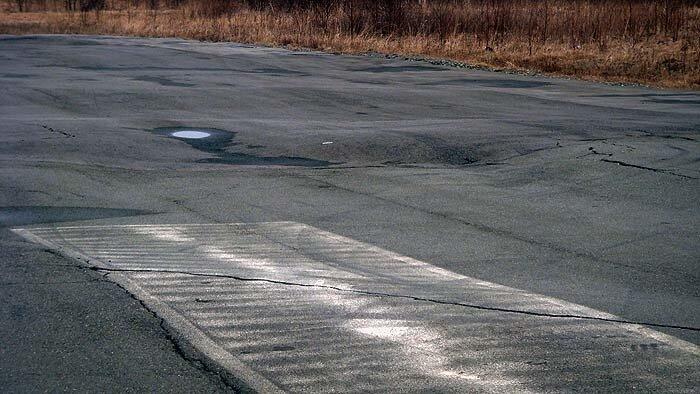 Качество трассы не позволяет начать драг-рейсинг гонки по расписанию (ФОТО)