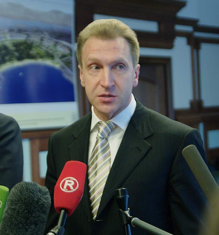 Гостиничную сеть надо развивать во Владивостоке, считает Шувалов (ФОТО)