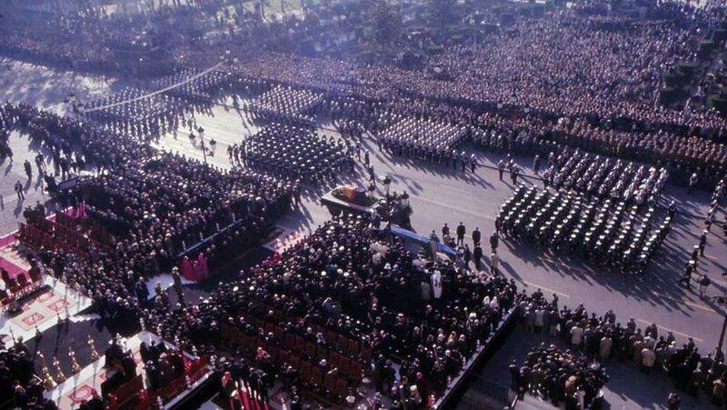 1975 Funeral-Franco.jpg