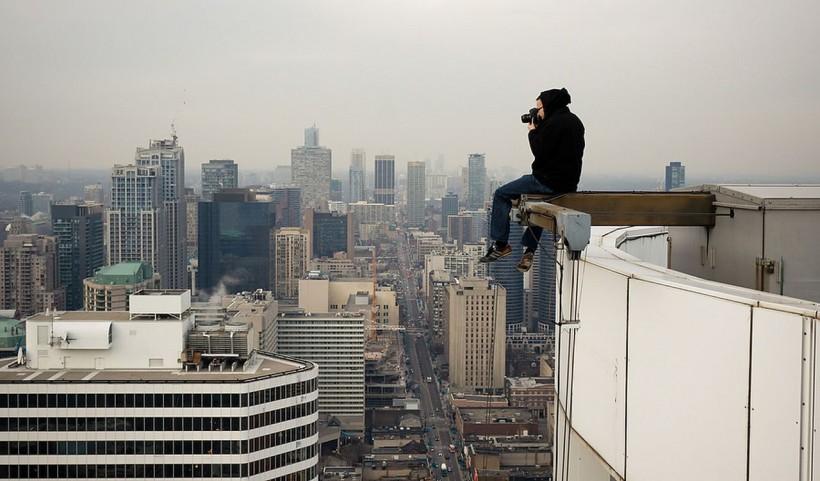 Когда ради снимка пойдёшь на всё, или лучшие фото «крышелазинга»