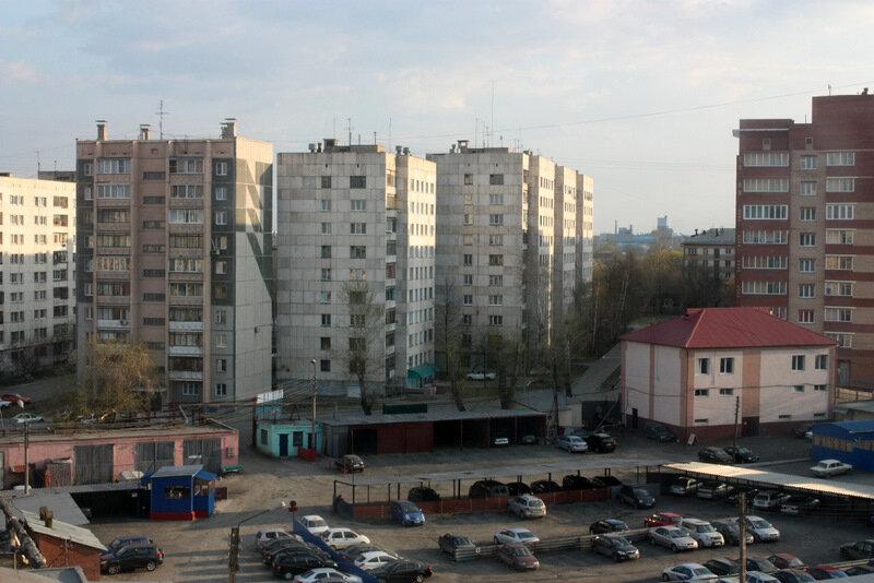 Челябинск, Советский район, ул. Доватора 22В, жилой многоэтажный дом и промзона