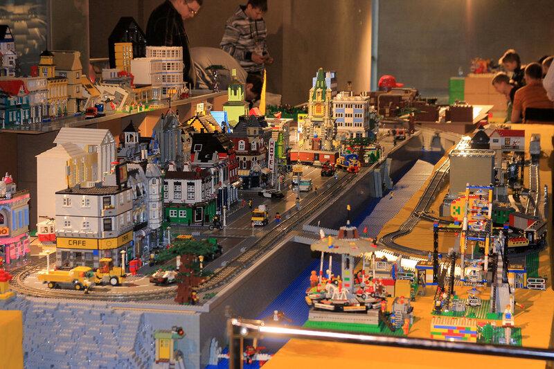 LEGO  купить товары бренда LEGO с доставкой по Москве и