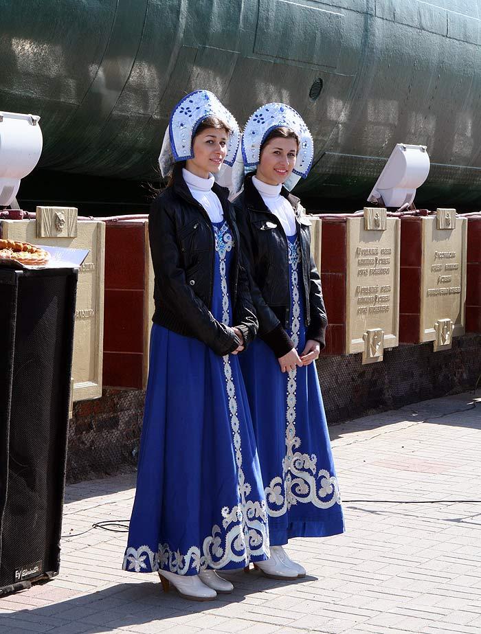Участники автопробега Камчатка - Брест отдали дань памяти героизму защитников Родины (ФОТО)