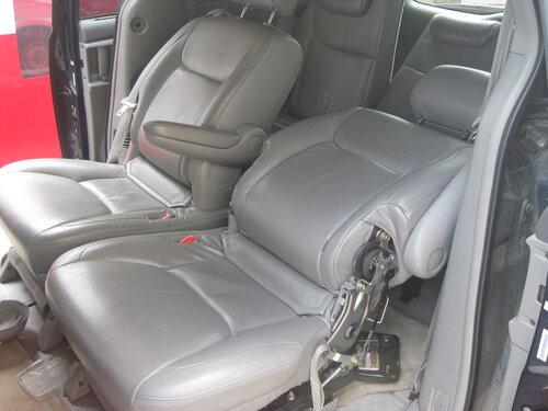 Toyota Sienna Club - Кресла второго ряда, делаем что-бы откидывались больше.