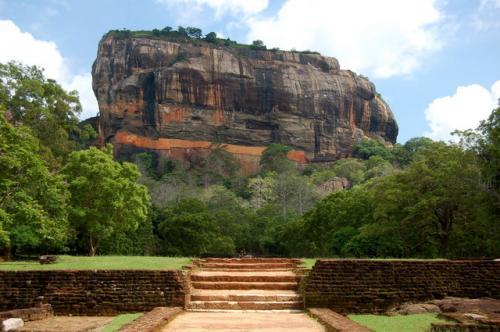 Львиная скала, или скала Сигирия. Шри-Ланка