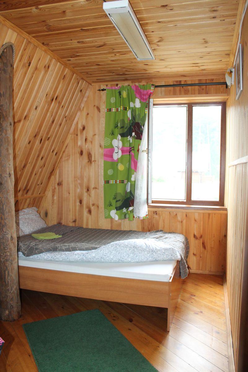 Второй этаж. Спальня. Очень удобная двухспальная кровать. (09.06.2015)