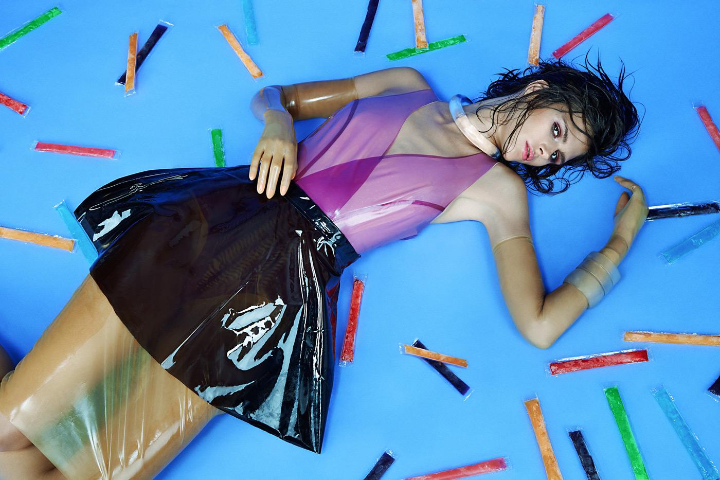 Kelli-Gibson-dlya-zhurnala-Cream-Magazine-6-foto