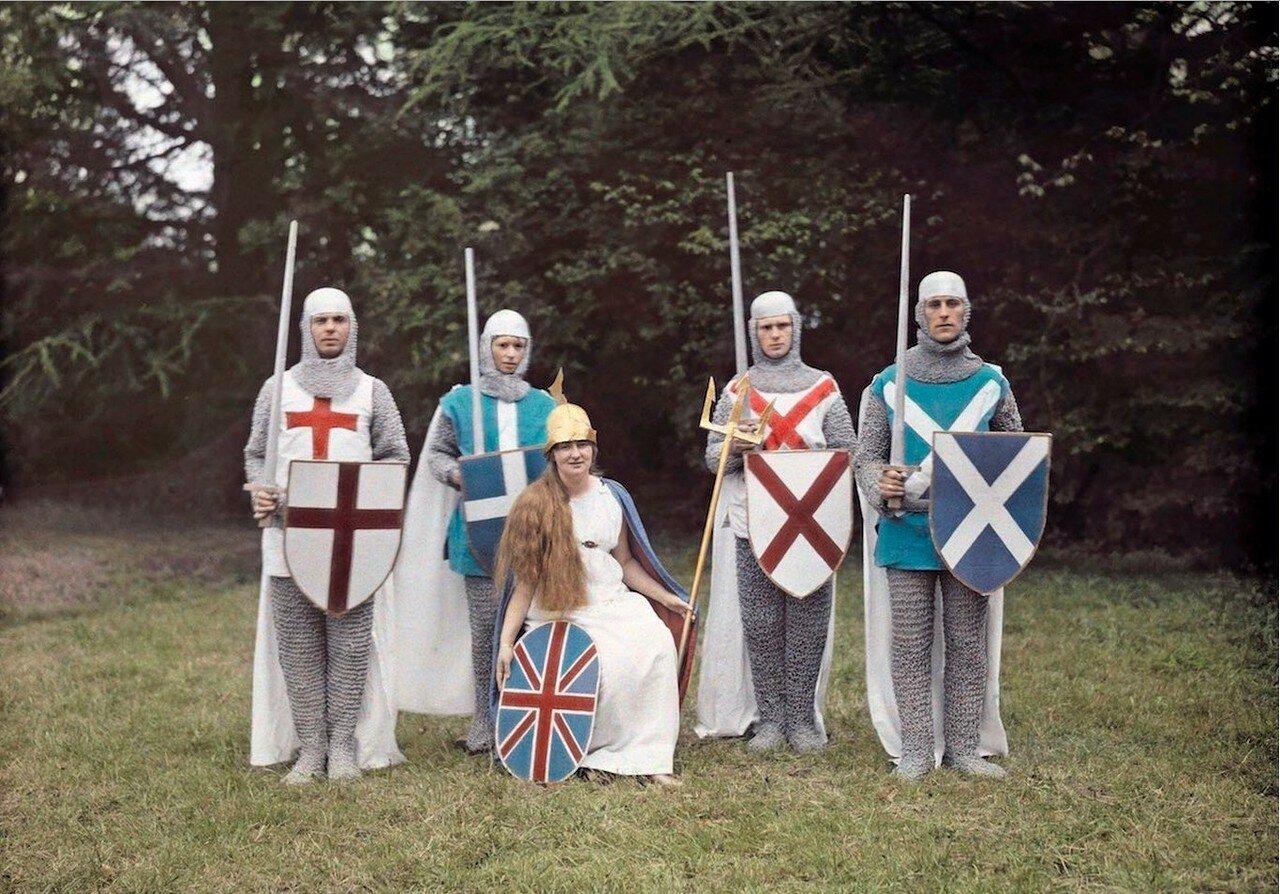 Актёры в рыцарских нарядах на конкурсе в Британии