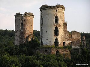 Остатки Червоноградского замка XVII века