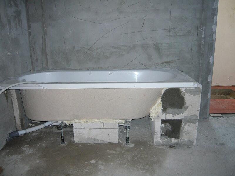 Как крепить акриловую ванну на гипсоблоках