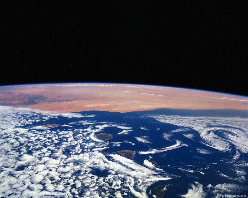 Поздравляю с Днём Космонавтики!.jpg