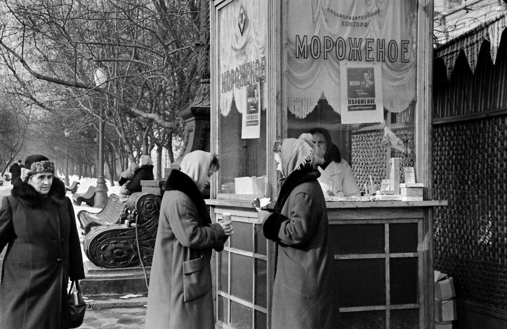 406288 Петровский бульвар В. Ярчевский кон. 1950-х.jpg
