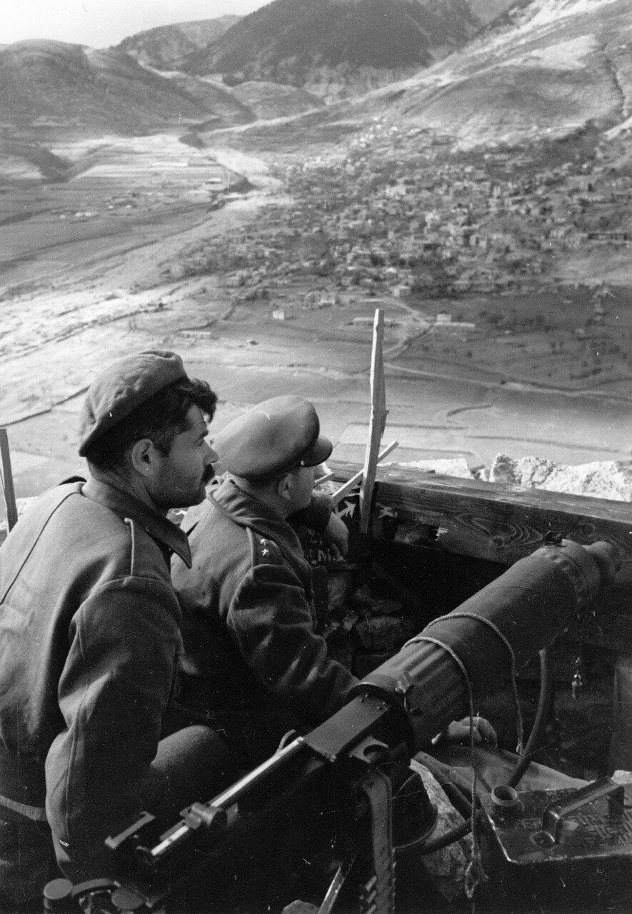 1948. Солдаты-монархисты в Карпениси