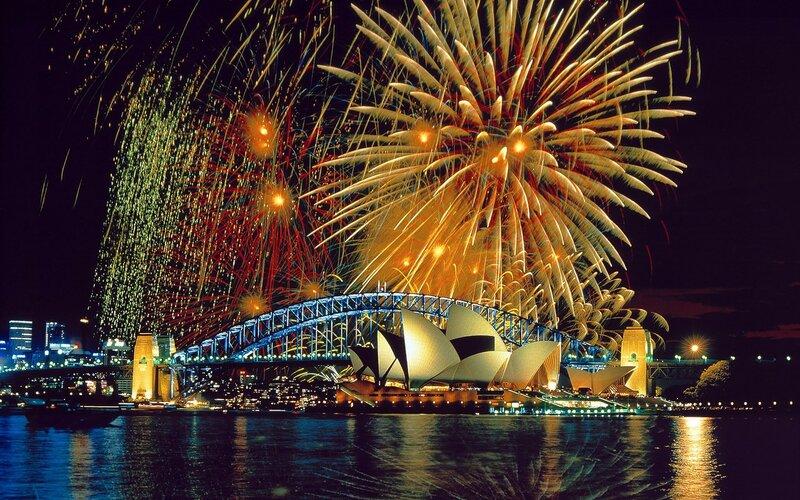 Фейерверки Сиднея в новогоднюю ночь