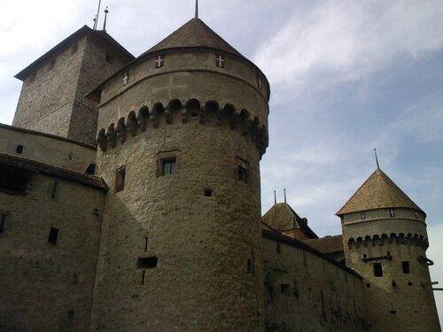 Château de Chillon - суровая крепость в прекрасном Монтрё -