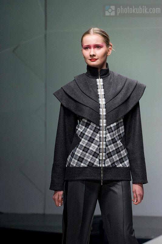 фоторепортаж модели мода fashion  Defile! in Kyiv: Валерия Марчи