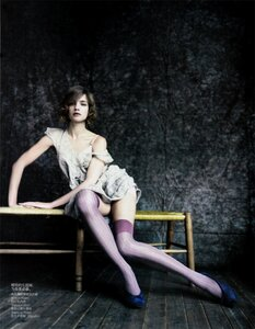 Наталья Водянова / Natalia Vodianova by Paolo Roversi in The Seated Beauty