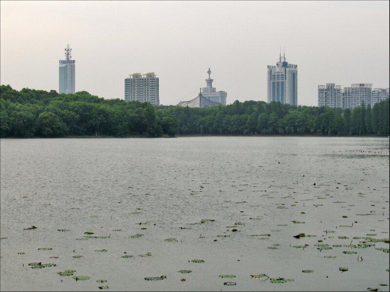 Ухань, озеро Дунху