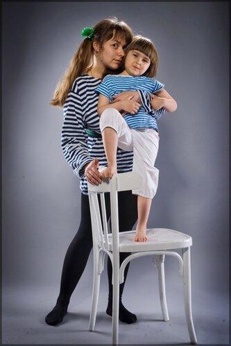 детские фотографии - студийная фотосъемка мам с детьми