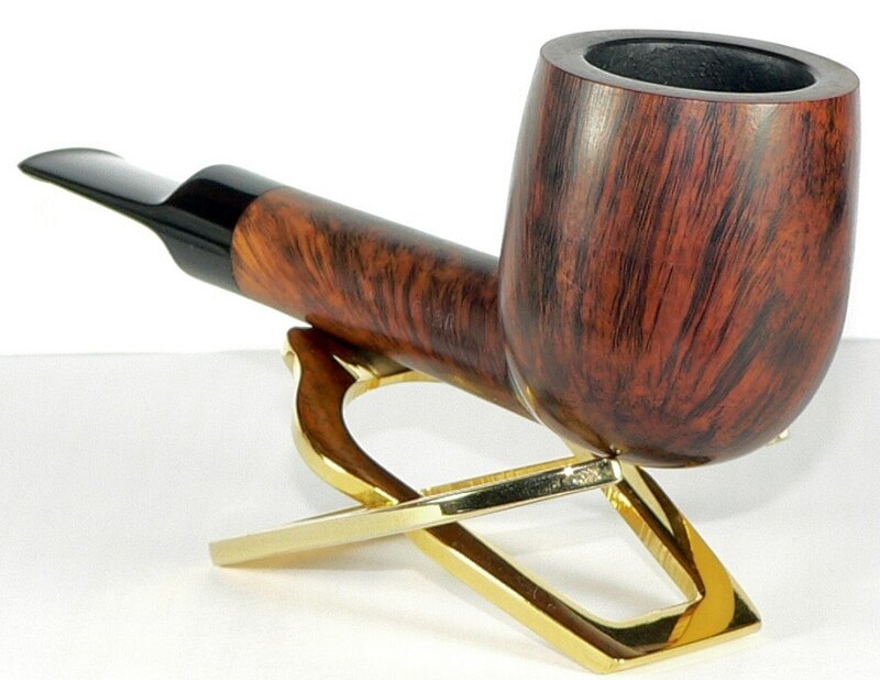 Comoy's Blue Riband lovat 212B pipe