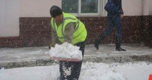 Предпринимателей во Владивостоке штрафуют за неубранный снег
