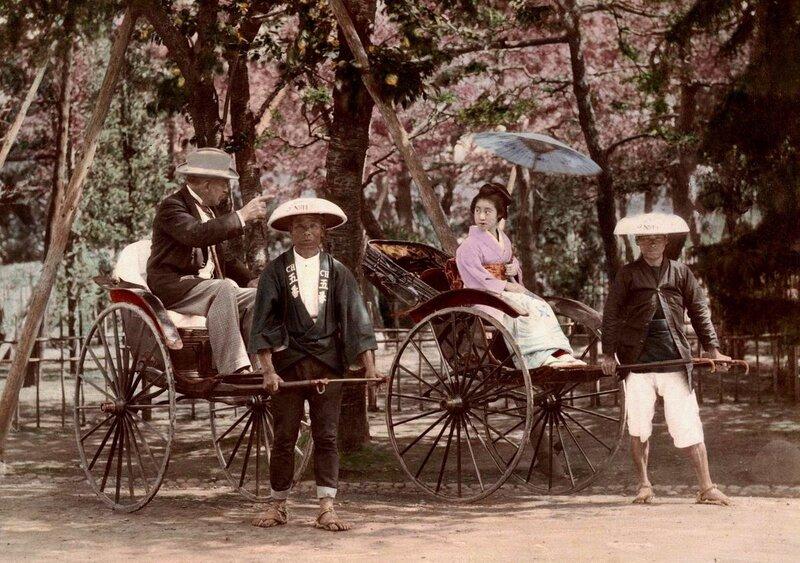 Ретро Япония. Гейша на прогулке