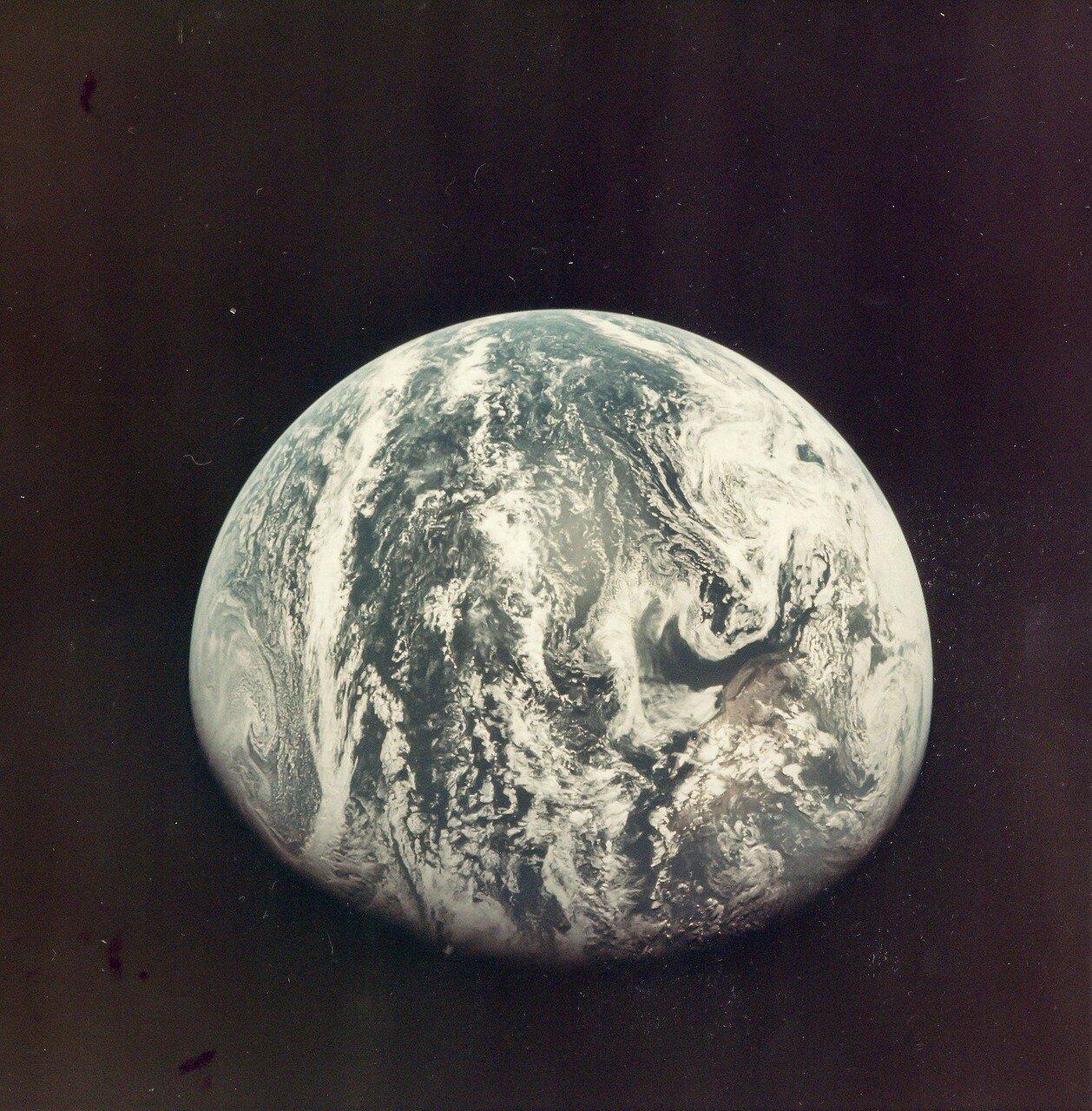 1969. Земля с расстояния в 10000 миль