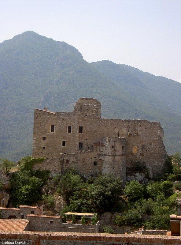 Средневековая крепость. Савона.