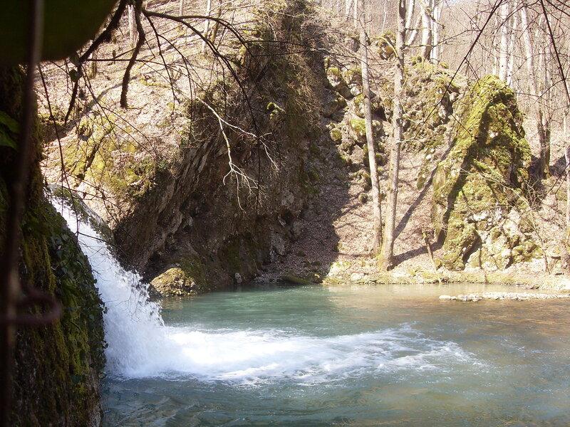 Весна, водопадное перетекание ... SDC10093.JPG
