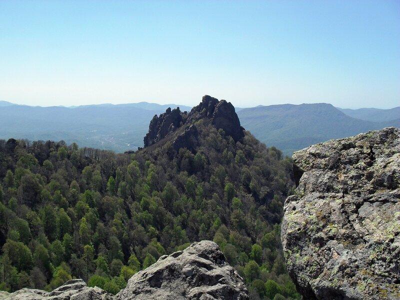 Скальные пики горы Индюк