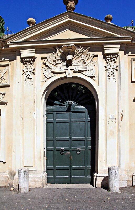 Ворота резиденции мальтийских рыцарей