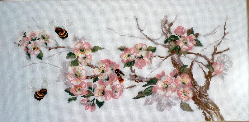 схемы вышивки крестом Яблоня в цвету.
