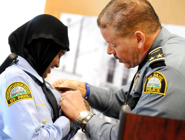 Kadra-Mohamed-Hidjab-Muslimah-Police-Minnesota3.jpg
