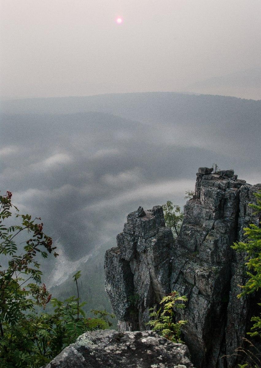 Неприступные скалы Айгира.