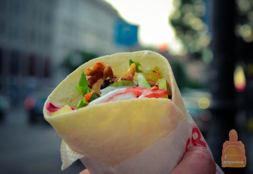 Не бойтесь пробовать уличную еду