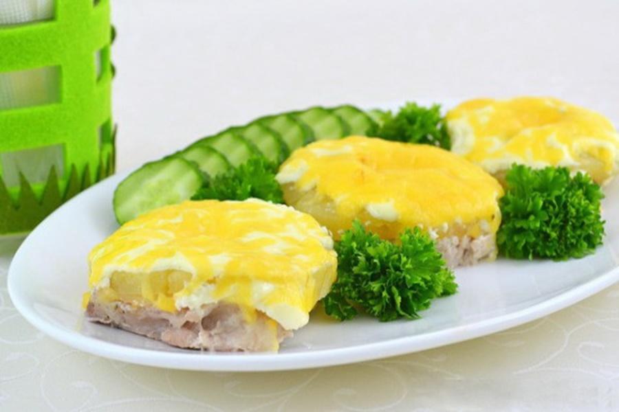 Мясо с ананасом