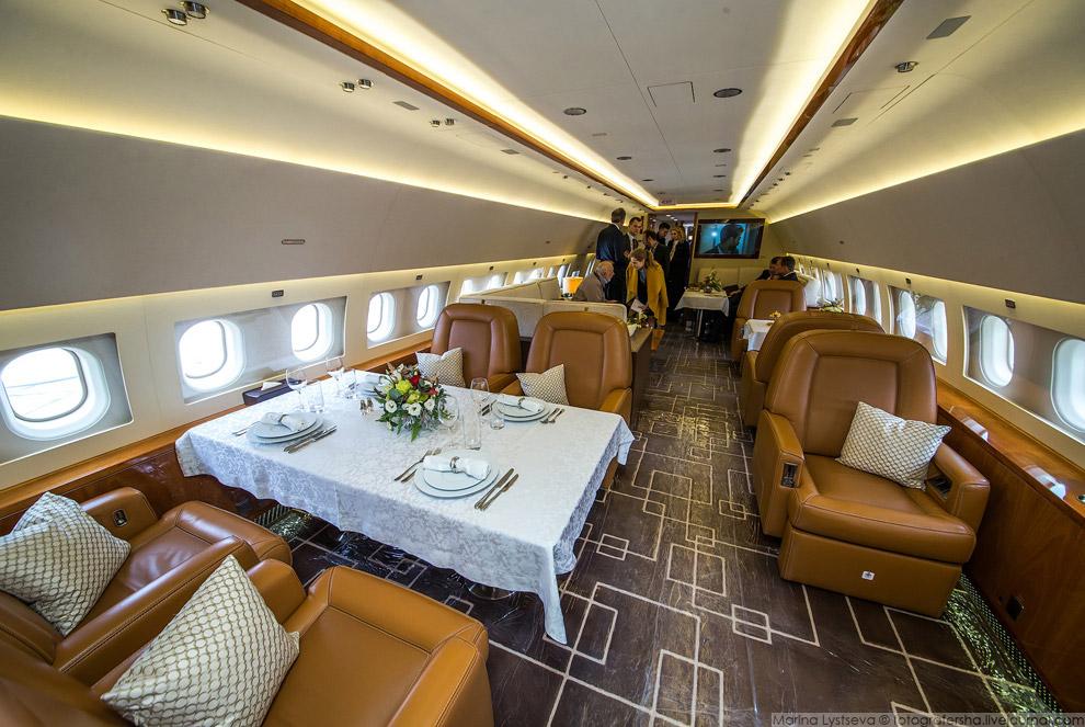 9. ACJ319neo1 сможет выполнять полеты на дальность до 12 500км с восемью пассажирами на борту,