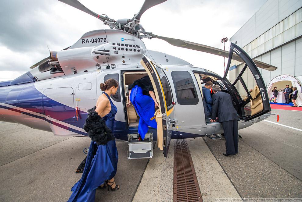 26. Еврокоптеры выставили сразу три ветролёта: As350, As355 и EC155.