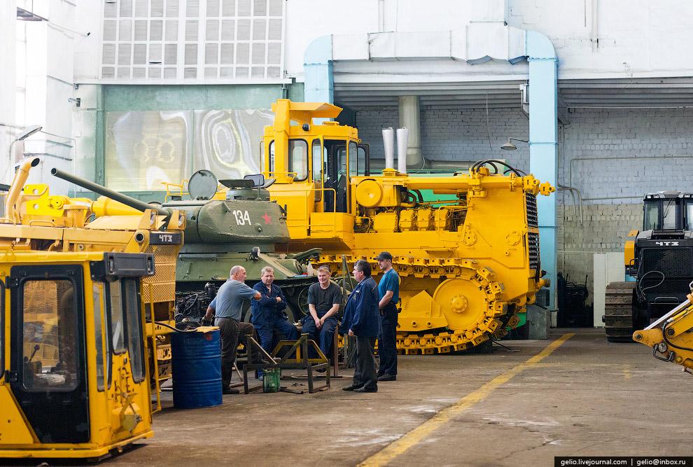 52. Челябинский трубопрокатный завод . Одно из крупнейших предприятий России, специализируется