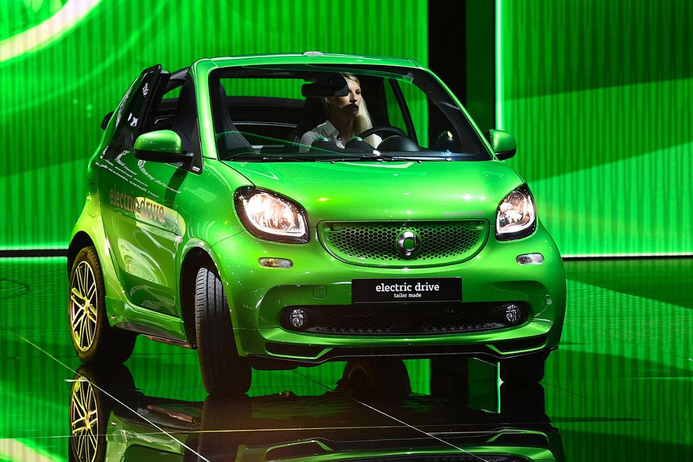 Будущее Рено Главным украшением стенда компании Renault станет впечатляющее купе. Trezor оснаще