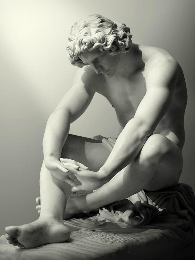Одна из скульптур на кладбище Стальено в Генуе, открытом в 1851 году