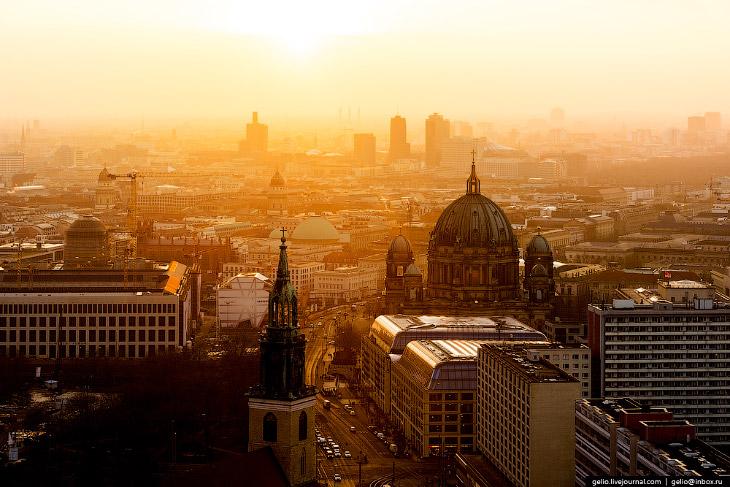 2. Берлин всегда был оплотом воинственно настроенных, агрессивных правящих режимов, отчего не раз ст