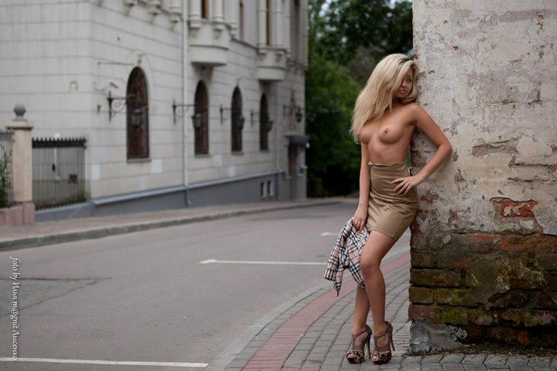 эротика на улице города фото ведь всей
