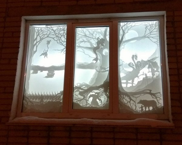 Вот так соседи украсили окна на Новый Год