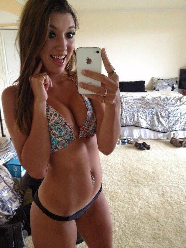 selfies-young-nude