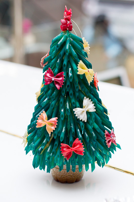 елка из макарон фото 1